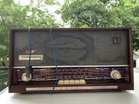 上海牌【144】型六灯交流收音机