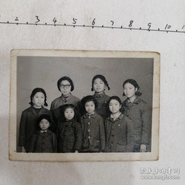 妈妈与七仙女合照
