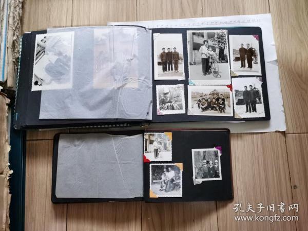老照片二册合售(照片主人是南海航队某艇长大小共250多枚、有多枚文革照片) 见书影及描述  此是补图,请勿下单