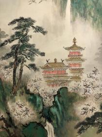 日本回流,近代画家竹林爱作青绿山水 绢本绫裱,骨质轴头,原木箱(破损见图),尺寸102 41.5。 本交易仅支持自提、邮寄