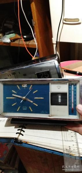 再来一个,上海钻石闹钟,带日历有温度计。品一般。