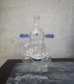 一个罕见的财神爷造型玻璃酒瓶