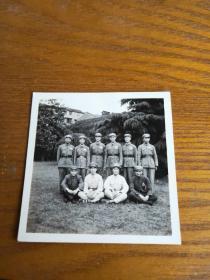 早期 军装照合影 少见两种帽子