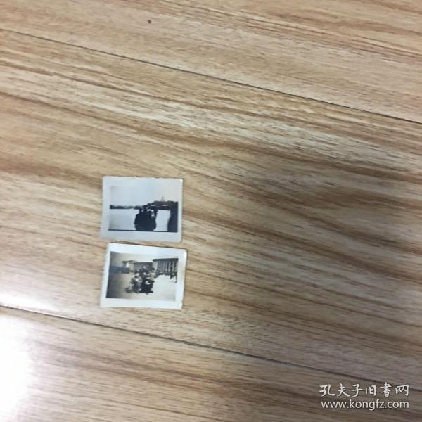老照片2张:1寸小照片2张