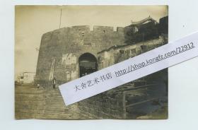 清末民初上海的城门城墙和龙华寺塔老照片两张,尚文门?泛银