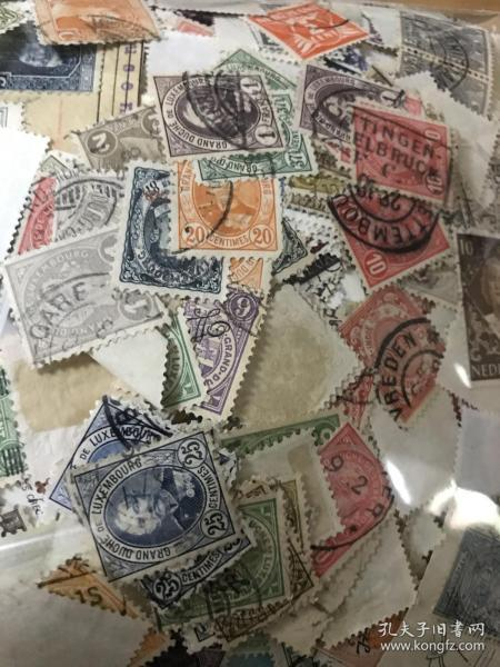 古典早期老邮票一包 约220克左右 估计邮票约5000张以上 很多古典早期邮票 便宜出 就一份 原包老票