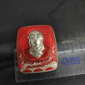 茉莉像章:毛主席头像梅花背面毛主席万岁50mm