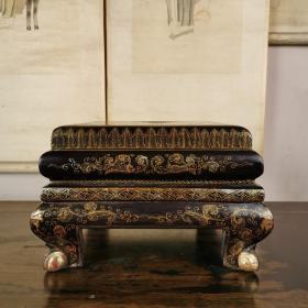 黑大漆描金人物弯腿缩腰小文房桌