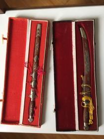钢刀王型 文房裁纸刀小宝剑各一把 带原盒