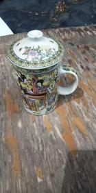 十二金钗 茶杯一个 景德镇 品好