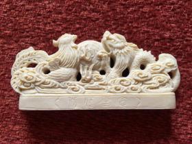 《龙凤呈祥》手工雕刻摆件,早期仿膳饭庄的定制纪念品