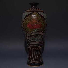 磁州窑刻花花卉纹梅瓶