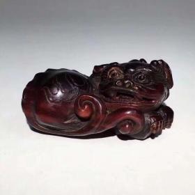 精品旧藏老牛角雕刻貔貅挂件,工艺精湛,包浆老道,细节如图,长*宽*高:5.7*3.4*2.75厘米,重:34.4克,