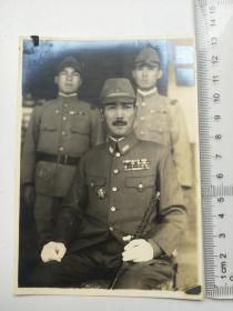 来自侵华日军联队相册,此为其中1张,日军军官
