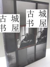 稀缺版《 摄影师安妮·莱博维茨的生平》大量摄影艺术图片,约2006年出版,