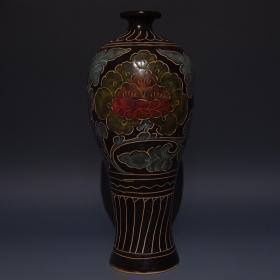 宋磁州窑刻花花卉纹梅瓶