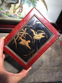 民國時期,大家閨秀用的小漆盒,圖案是凸起的特別有立體畫的感覺,精美,
