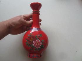 山东花冠酒业集团御思香牡丹图案酒瓶.空瓶