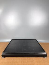 紫檀木象棋盘,做工精细,造型独特,纹路清晰