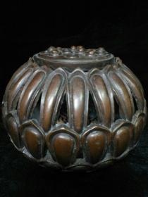 收藏铜胎水云居款莲花熏香炉一件高12.5厘米重3.5斤