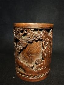 立体工铜雕笔筒