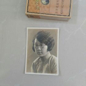 早期~〈民国〉~老照片~〈满洲国时期〉~女子戴眼镜