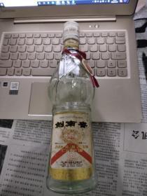 酒瓶-----1991年剑南春(背标有圆章)稀少