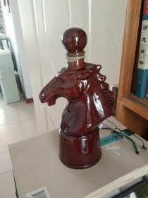 酒瓶收藏――马首形状酒瓶