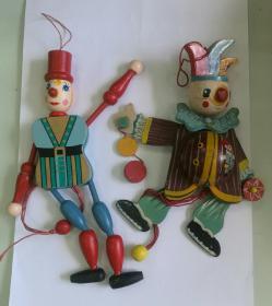 2個提線木偶玩具