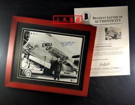 """""""投下人类战争第一颗原子弹"""" 保罗·蒂贝茨 将军签名照片(照片10×8英寸,已装裱带框) 由三大签名鉴定公司之一Beckett(BAS)鉴定"""