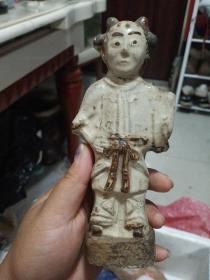 瓷器人物,年代辽金元,也许还要早一点,有残有裂,包真包老,价格小高,售出不退.