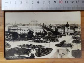 【收藏级】古董老明信片---清末民国-----大连市街  贴英国邮票 邮戳日期 1932年11月21日----背面外文贴邮   稀有