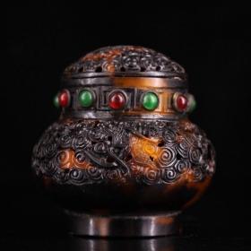 纯手工镂空雕刻镶嵌宝石蛐蛐罐  盒 重:53克         高:8厘米    宽:7厘米