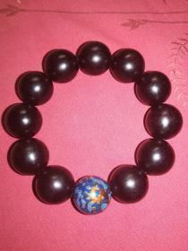 紫檀手串配大漆珠