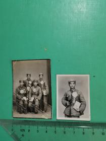 军人照片2张