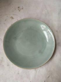 清代豆青釉盤子一個,直徑24.5cm,品相完整,保真保老。