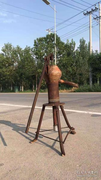 老式壓水井家用手動搖水機井,包老完整,正常使用!