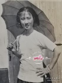 民国打伞旗袍美女照 (风韵十足,民国范)