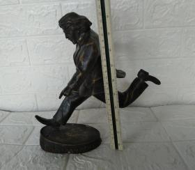 2010中国红十字基金会温暖大使马拉多纳铜雕塑摆件(瑕疵残缺件)