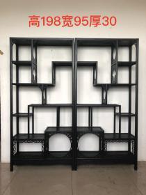 博古架一對,中式裝修佳品,可用來擺放在家中或書房辦公室,多寶閣,品相及尺寸如圖,單個尺寸:高198cm,寬95cm。深度為30cm。