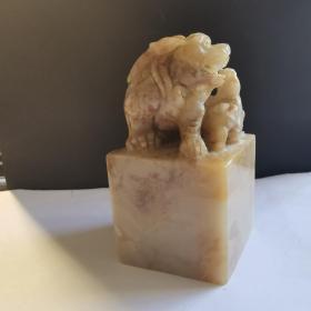 老撾石雕獸凍石印章,大料凍石,老坑老料,品相完美,非常稀缺!也可做擺件高端大氣上檔次!(請注意標注的尺寸)