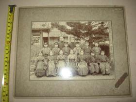 清末或民国早期 日本原版老照片【学生集体合照】硬底板大尺寸