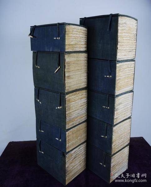 【大全套】清同治七年廣東書局精刻【欽定四庫全書總目二百卷、簡明目錄二十卷】120厚冊全,白紙刻本,一流品相。我國最巨大的官修圖書目錄,煌煌巨著,保存如此之好,實乃我輩人之大幸,藏者珍之。