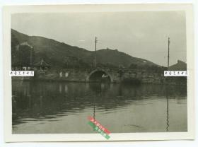 民国浙江杭州西湖断桥老照片,8.8X6.4厘米,泛银