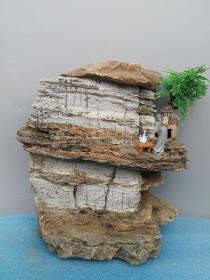 天然奇石,李白把酒问苍天,纯天然太行奇石一块,大自然的鬼斧神工,站立稳当,顶部鸿运当头,高20长20宽15公分左右,重11斤。