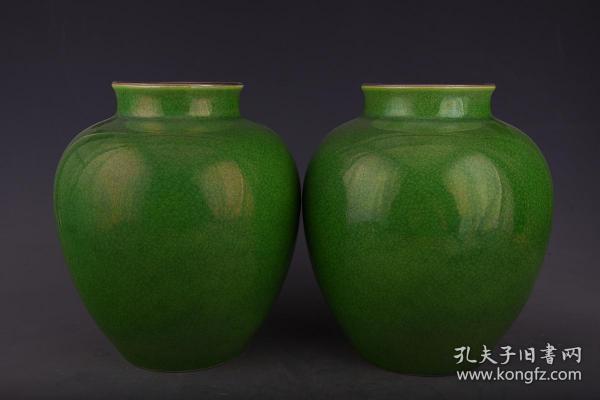 清雍正寶石釉蘋果綠罐2