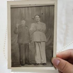 (老照片)伟大的领袖毛泽东和他的亲密战友林彪