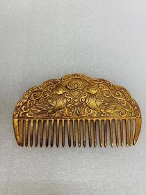 金梳子,是纯金还是鎏金搞不明白,.乡下收的,两面一样的图案