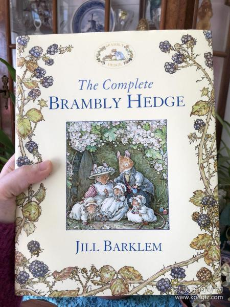 The Complete Brambly Hedge. by Jill Barklem  野蔷薇村的故事