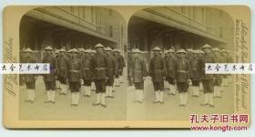 1897年维多利亚女王的登基钻禧游行中的香港步兵警察部队---118年前的香港警察老照片